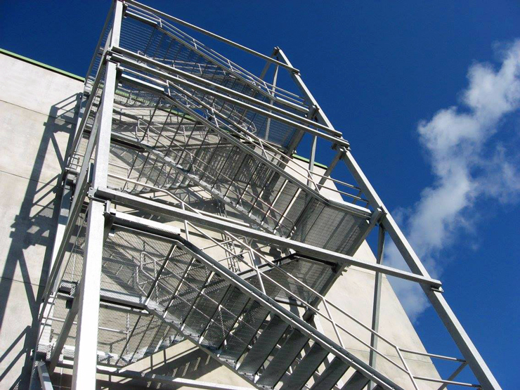 Лестница изготовленная на заводе металлоконструкций Premekon Oy