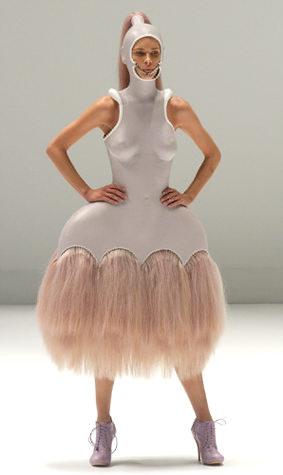Idiosyncratic Fashionistas Alexander Mcqueen Savage Beauty