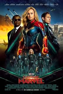 Poster Film Captain Marvel yang Cerah dan Berani