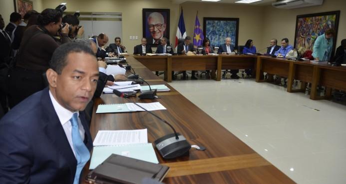 El PLD prepara sus reuniones en ambiente de sanciones
