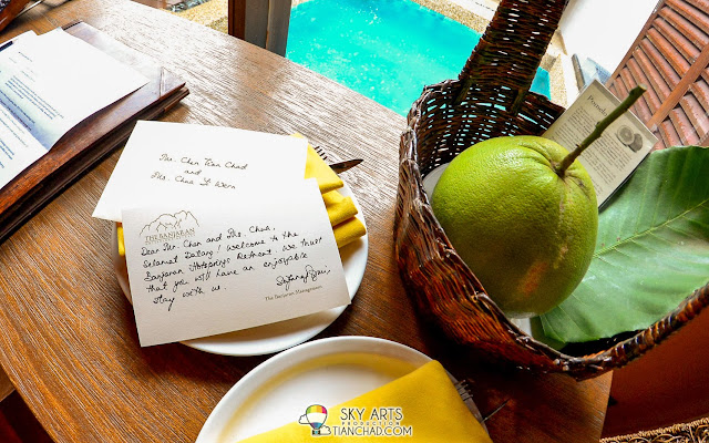 Warm welcome note with our names mentioned on it. First time being served Pomelo fruit as welcome gift haha