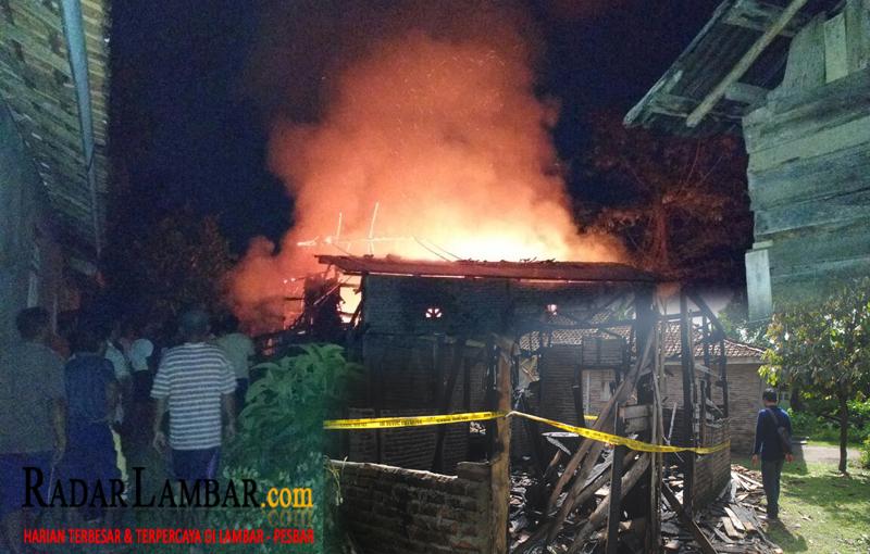 Rumah Warga Way Napal Ludes Terbakar