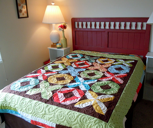 Hugs and Kisses Quilt Free Tutorial designed by Madame Samm of Sew We Quilt