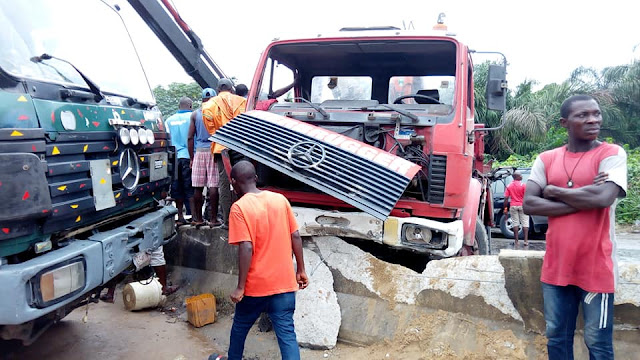 GRAPHIC PHOTOS: Fatal accident on East-West road in Rivers State