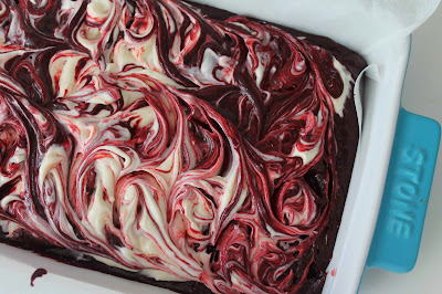 Brownie red velvet cheesecake