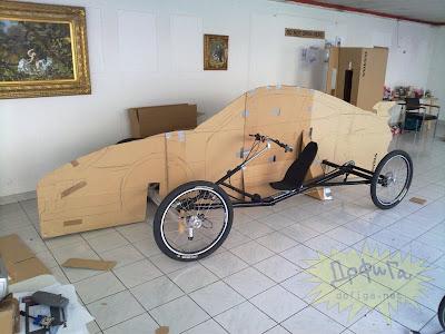 Porsche GT3 R5 hecho con dos bicicletas