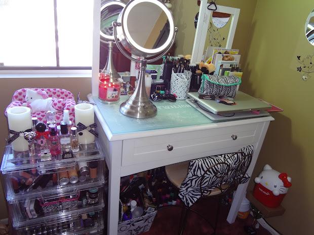 Vanity Tour & Makeup Storage - Tin'