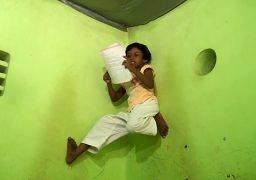 Wanduramba girl who climbs along the walls and studies