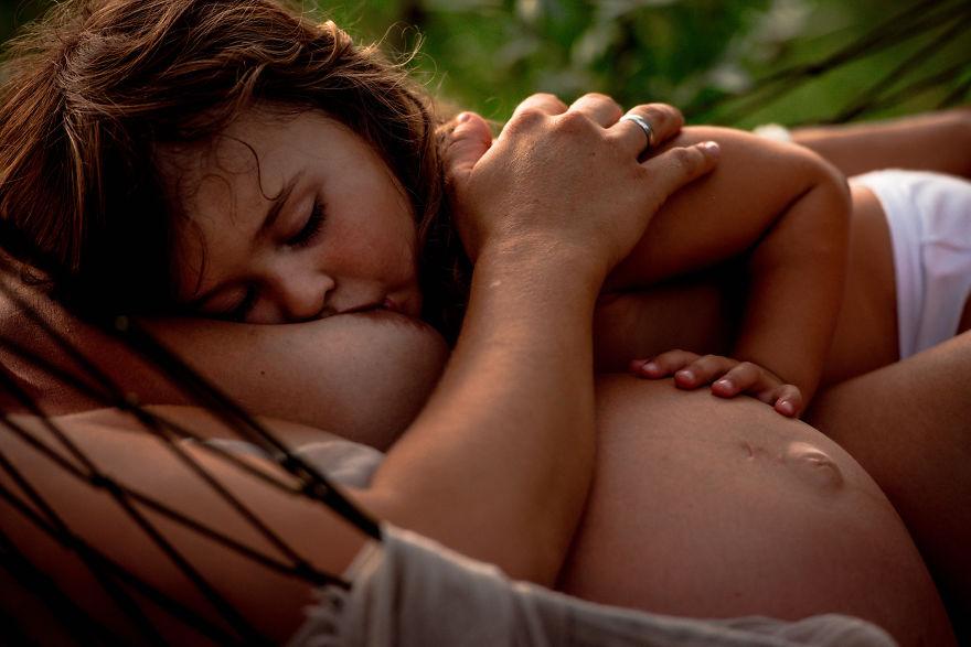 Breastfeeding-maternidade-mãe-amor-filhos-leite-materno-amamentação-familia-maternidade-filhos-recemnascido
