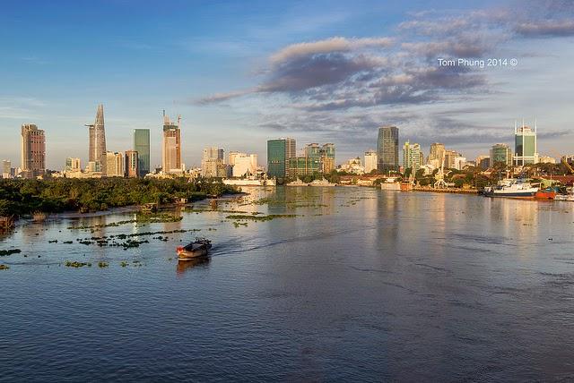 Vietnam Tour : Sai Gon River 1