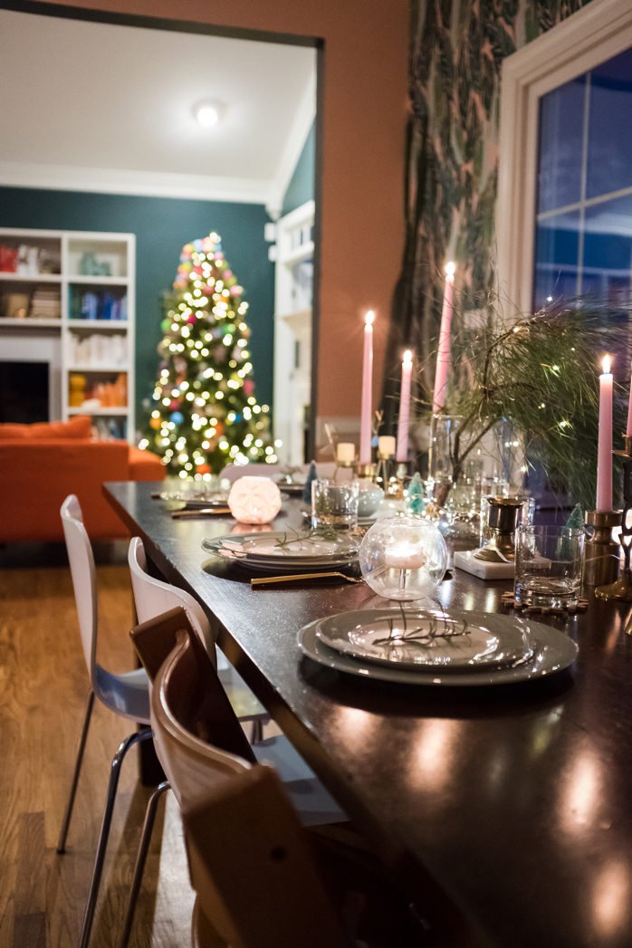 Simple Christmas tablescape- design addict mom