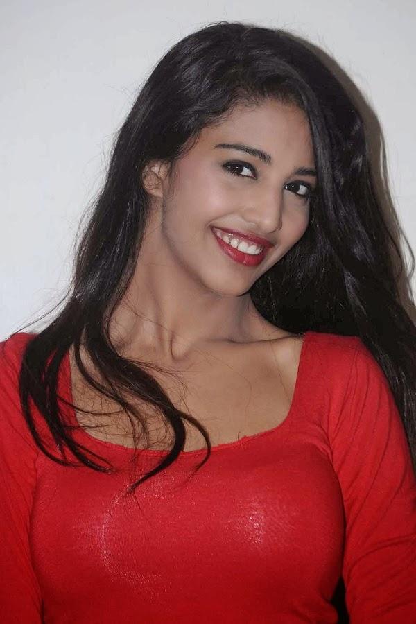 Pakistani Beautiful Girl Wallpaper Beautiful Girls Thaksha