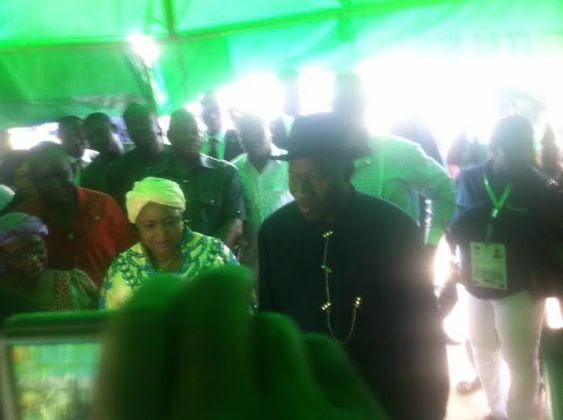 Photos: President Goodluck Jonathan and wife at their polling unit in Bayelsa