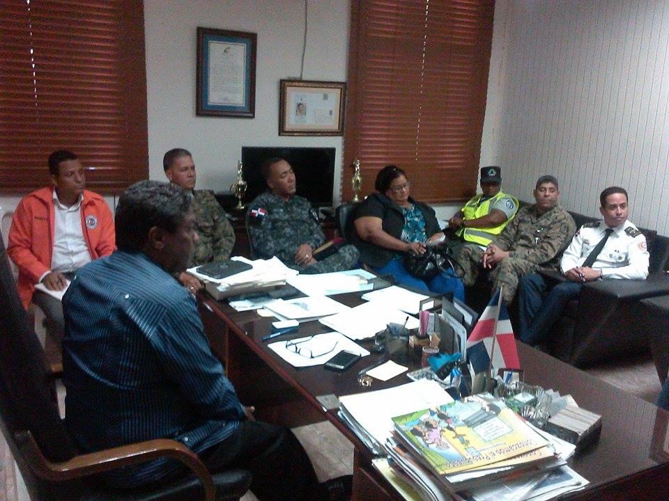 BARAHONA.- Autoridades se reúnen para garantizar seguridad y disminuir hechos lamentables en Semana Santa