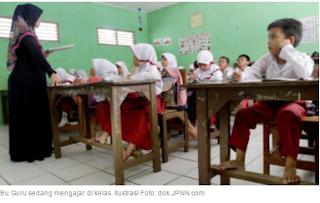 Guru Bersertifikat Pendidik, Rencana Wajib 8 Jam di Sekolah img