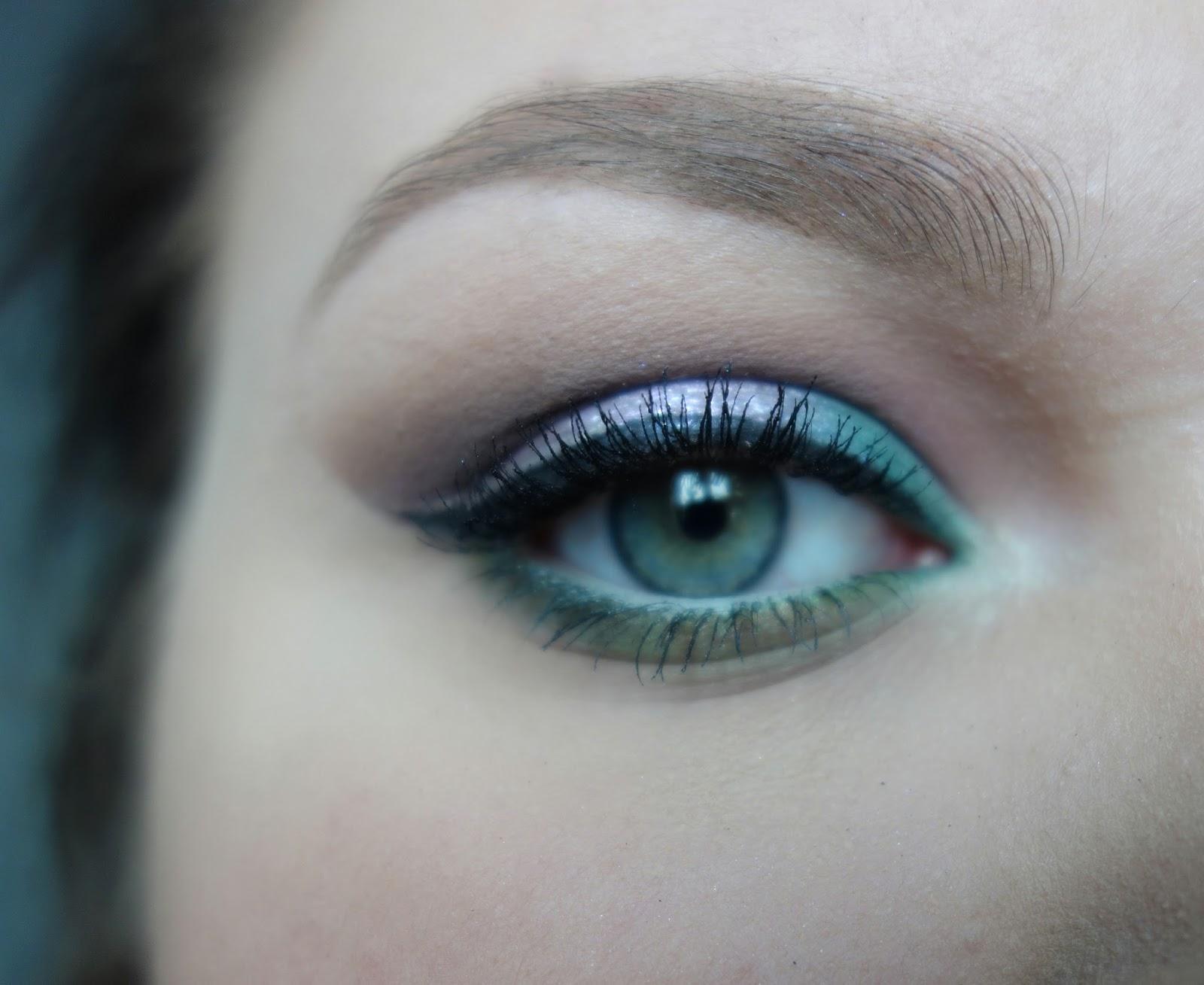 Błyszczący makijaż ze srebrną kreską | Sleek, Golden Rose, Stila, Inglot, Zoeva