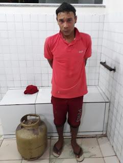 Se lascou: Após arrombar residência e roubar botijão de Gás, ladrão é preso em flagrante pela Policícia Militar em Chapadinha