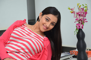 Telugu Actress Mouryani Latest Pos in Blue Denim Jeans  0238.JPG