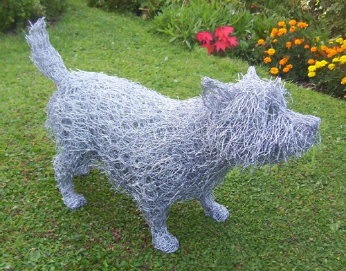 10-West-Highland-White-Terrier-Dog-Barry-Sykes-Sculptures-of-Animals-in-Wire-www-designstack-co