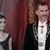Pablo Iglesias y Manuela Carmena plantan al rey Felipe VI