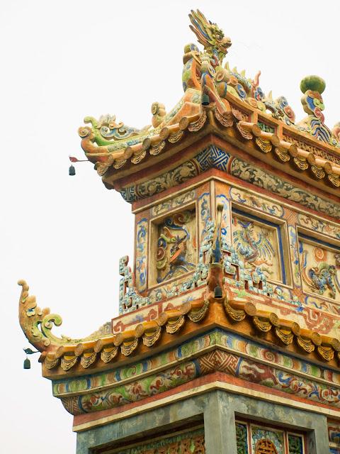 Detalle Puerta Mausoleo de Tu Duc, Hue en Vietnam