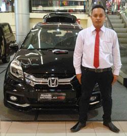 Perbandingan Harga Mobil Honda Mobilio VS Toyota Avanza Veloz