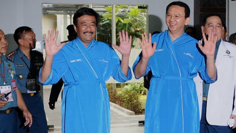 Ahok dan Djarot Saiful Hidayat menjalani tes kesehatan di RSAL Dr. Mintoharjo, Jakarta