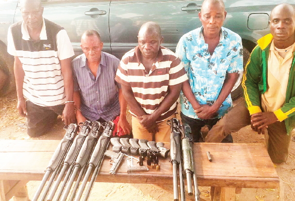 army supplying guns to robbers