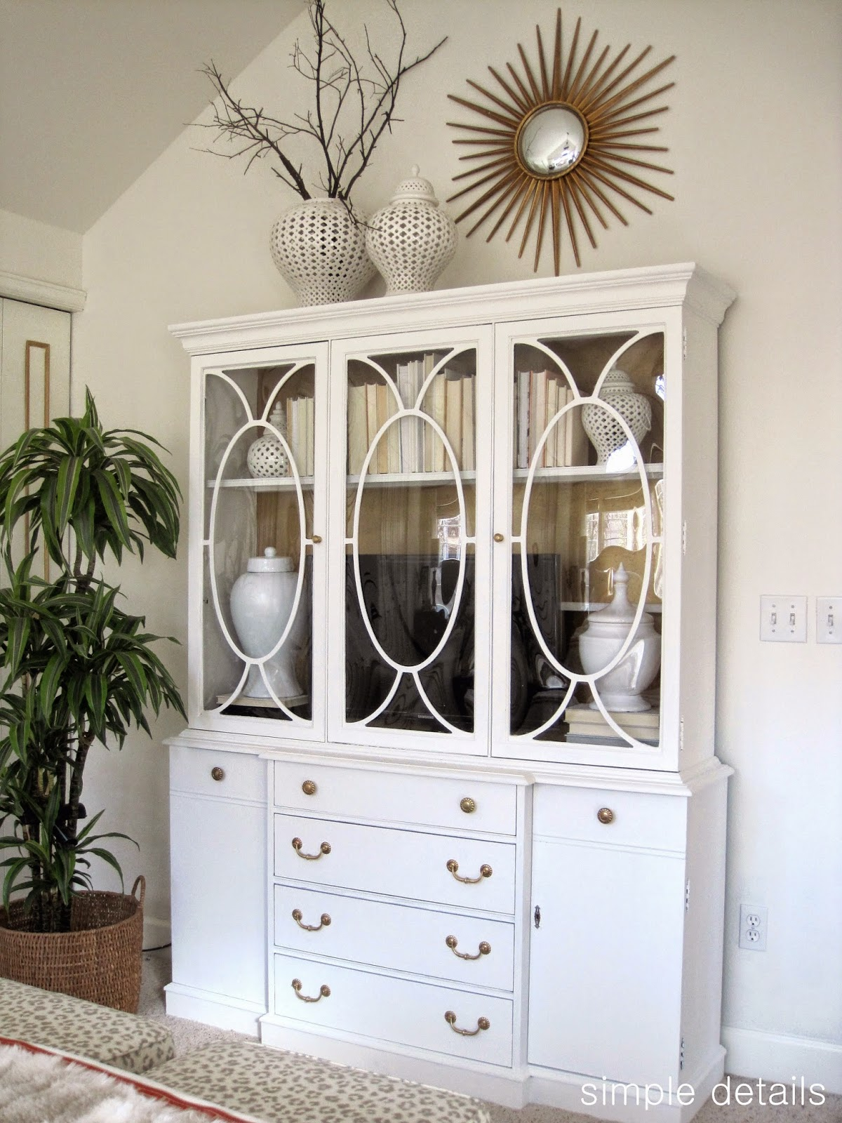 Savvy Southern Style : China Cabinets Art Not Just For