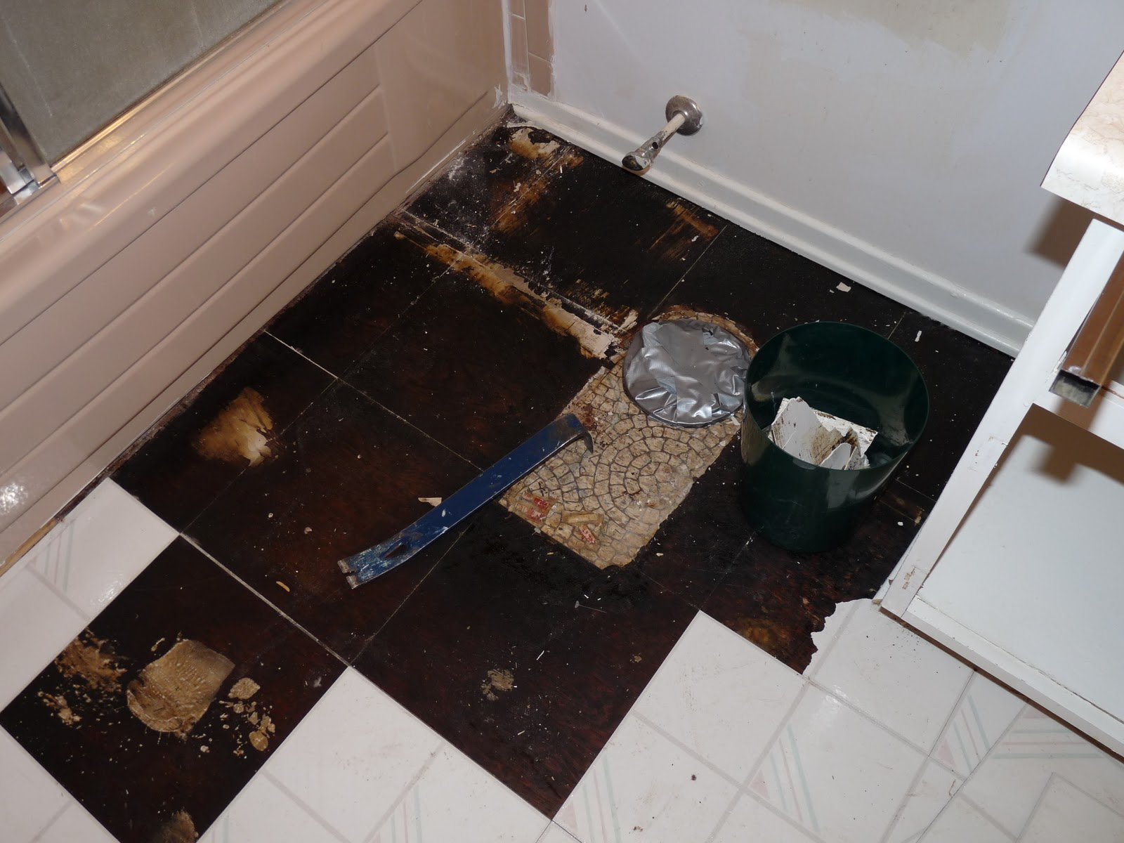 How to remove old vinyl flooring