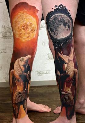 Fotos de Tatuajes : Tatuajes egipcios en las piernas