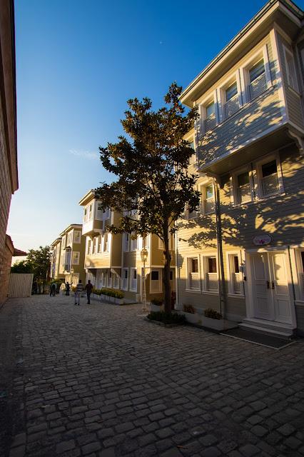 Soğuk Çeşme Sokak, Strada della fontana fredda-Istanbul