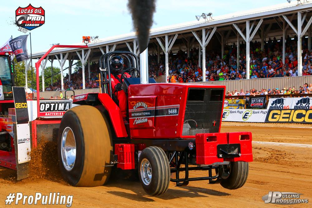 tractor pulling news lucas oil pro pulling league champions 2017. Black Bedroom Furniture Sets. Home Design Ideas