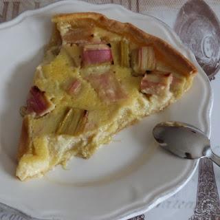 https://danslacuisinedhilary.blogspot.com/2013/05/tarte-la-rhubarbe-rhubarb-pie.html