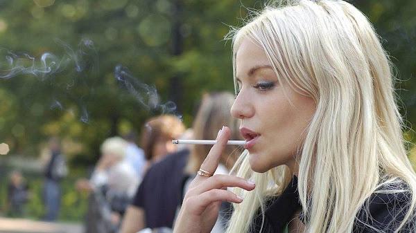 «Βροχή» τα πρόστιμα για το κάπνισμα στην Αθήνα