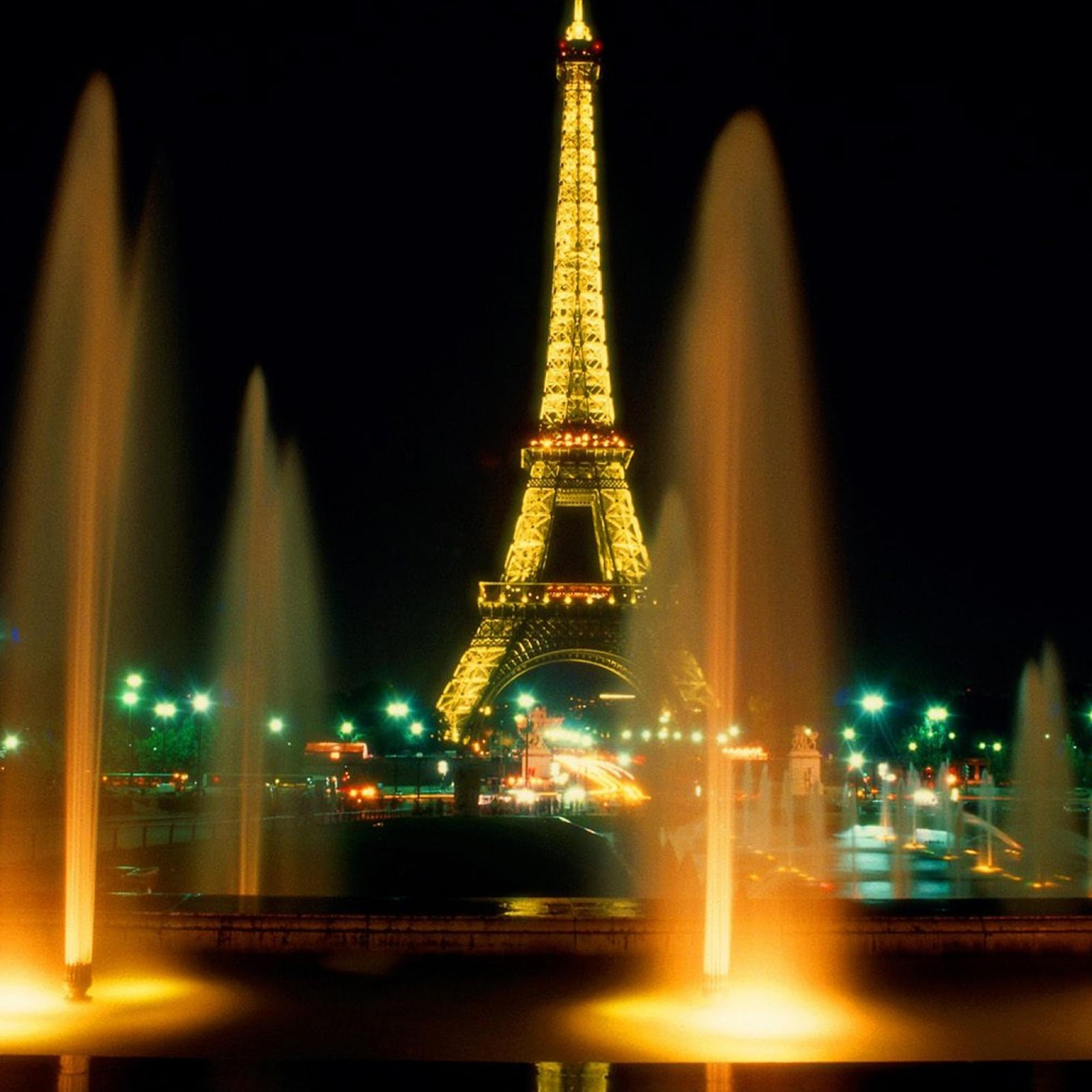Girl Hd Desktop Wallpaper Paris Paris Eiffel Tower At Night