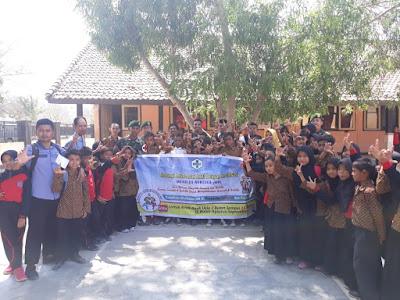 Satkes Kogasgabpad Bantu Imunisasi 112 Siswa SD di Sumbawa Barat
