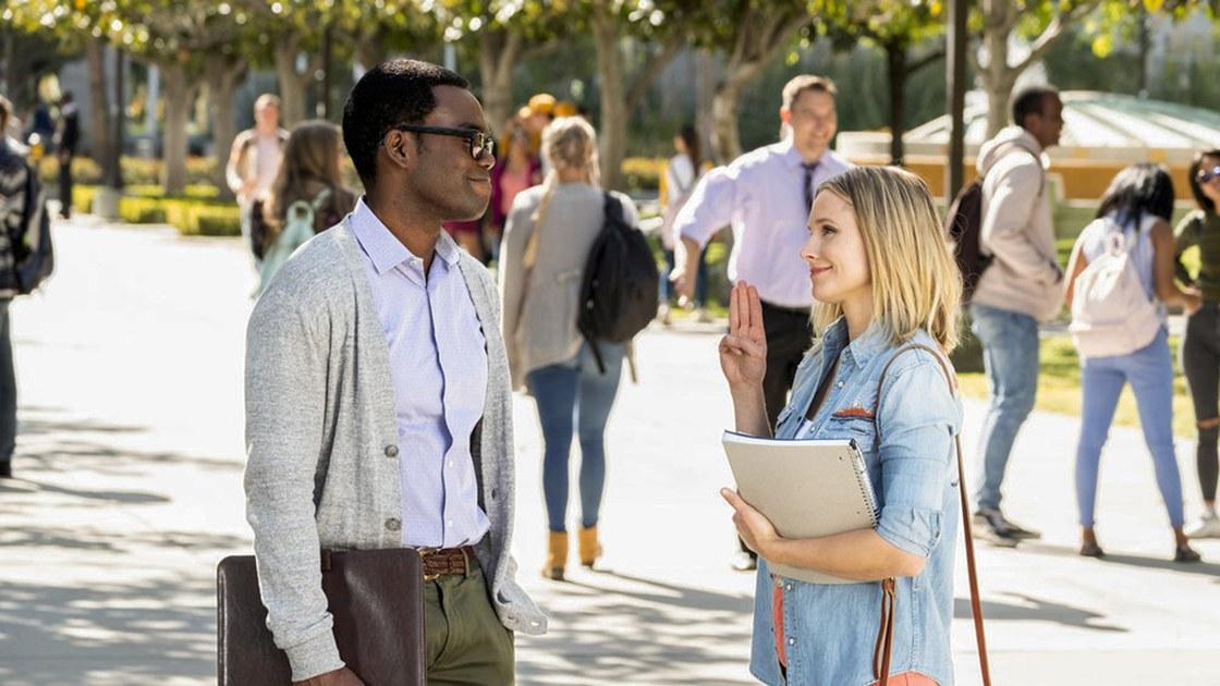 Eleanor y Chidi en la tercera temporada de The Good Place