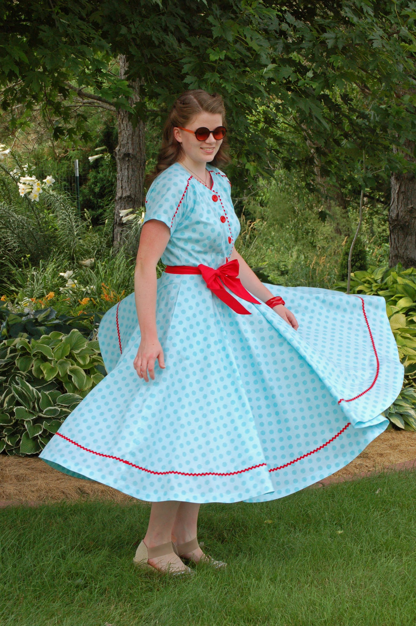 Dolly Creates: • 4th of July Polka Dot Dress •