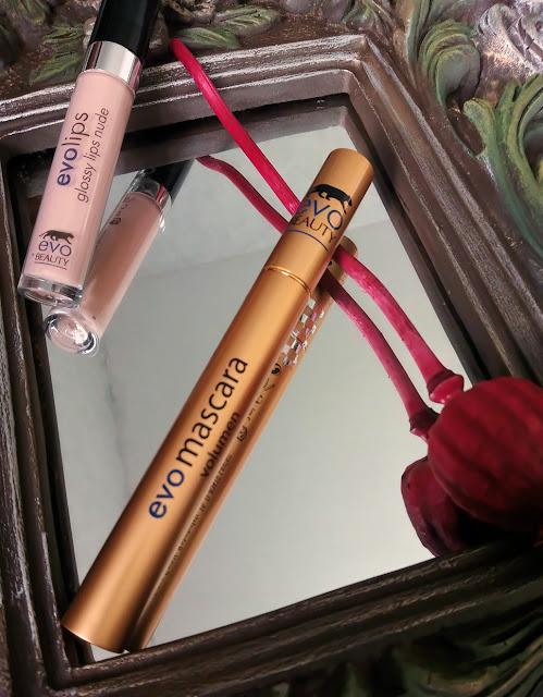 glossy-lips-nude