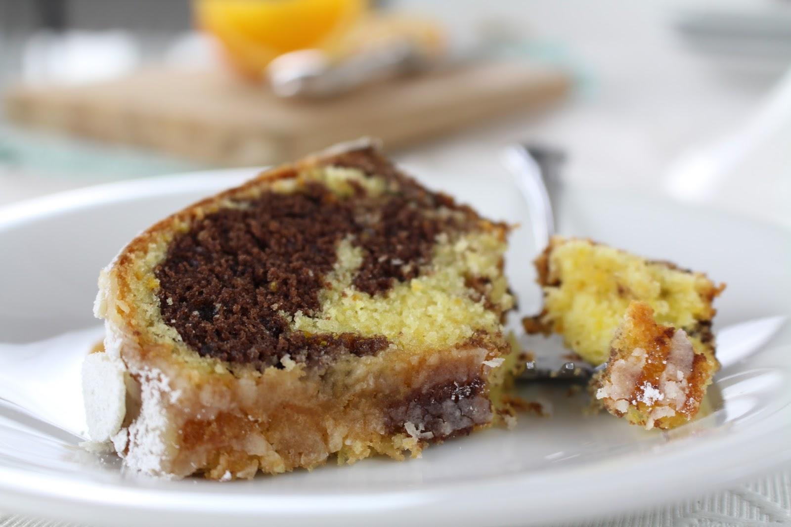 Spanischer Orangen Gugelhupf - super saftiger Marmorkuchen mit Orange