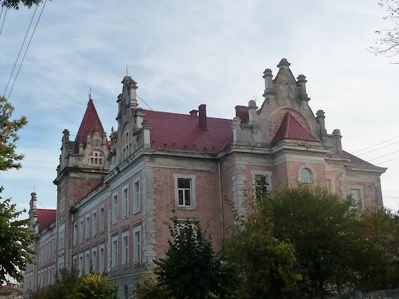 Самбір. Будівля суду