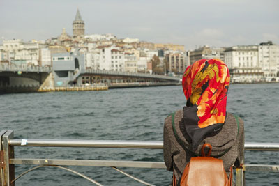 Tips Berpakaian Sesuai Tempat Liburan Bagi Muslimah