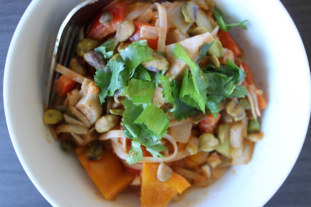 Curried Rice Noodles with Jackfruit | A Hoppy Medium
