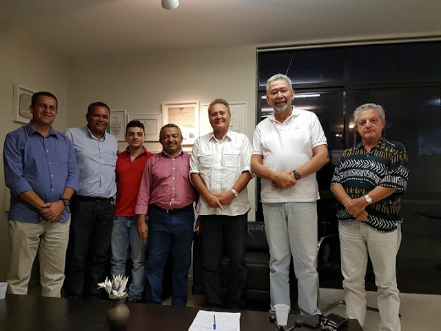 Prefeito de Olho D'Água do Casado, busca parceria com Senador Renan Calheiros para trazer benefícios para o município