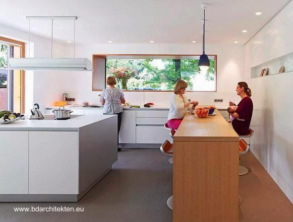 Cuarto de cocina en casa contemporánea alemana