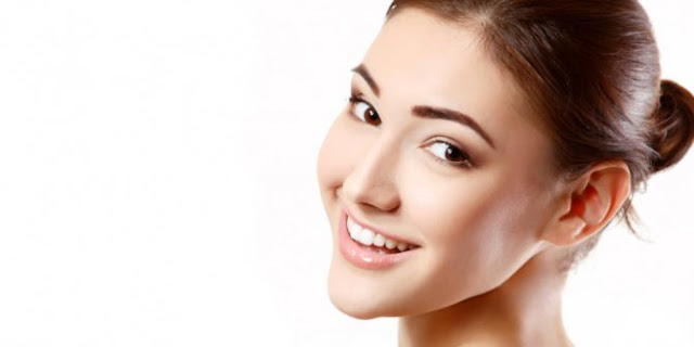 Inilah cara Memutihkan Wajah yang alami  – Punya kulit cerah bersinar merupakan idola tiap-tiap orang, terutama wanita. kulit muka cerah merupakan cermin yg menghadap memperoleh perawatan yg baik.