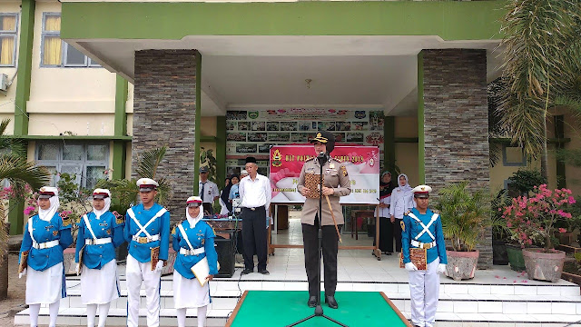 Pimpin Upacara Bendera di SMAN 1 Sekayu, Ini Pesan Kapolres Muba!!