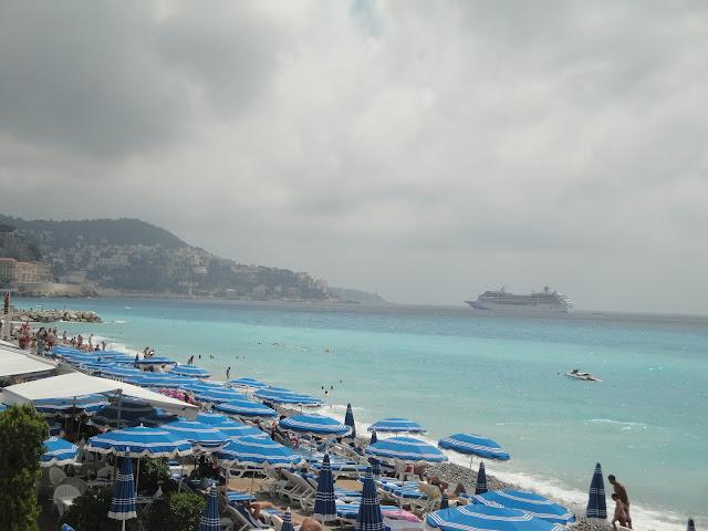 Praia de Nice - Se nublado é assim, imagine com Sol - França