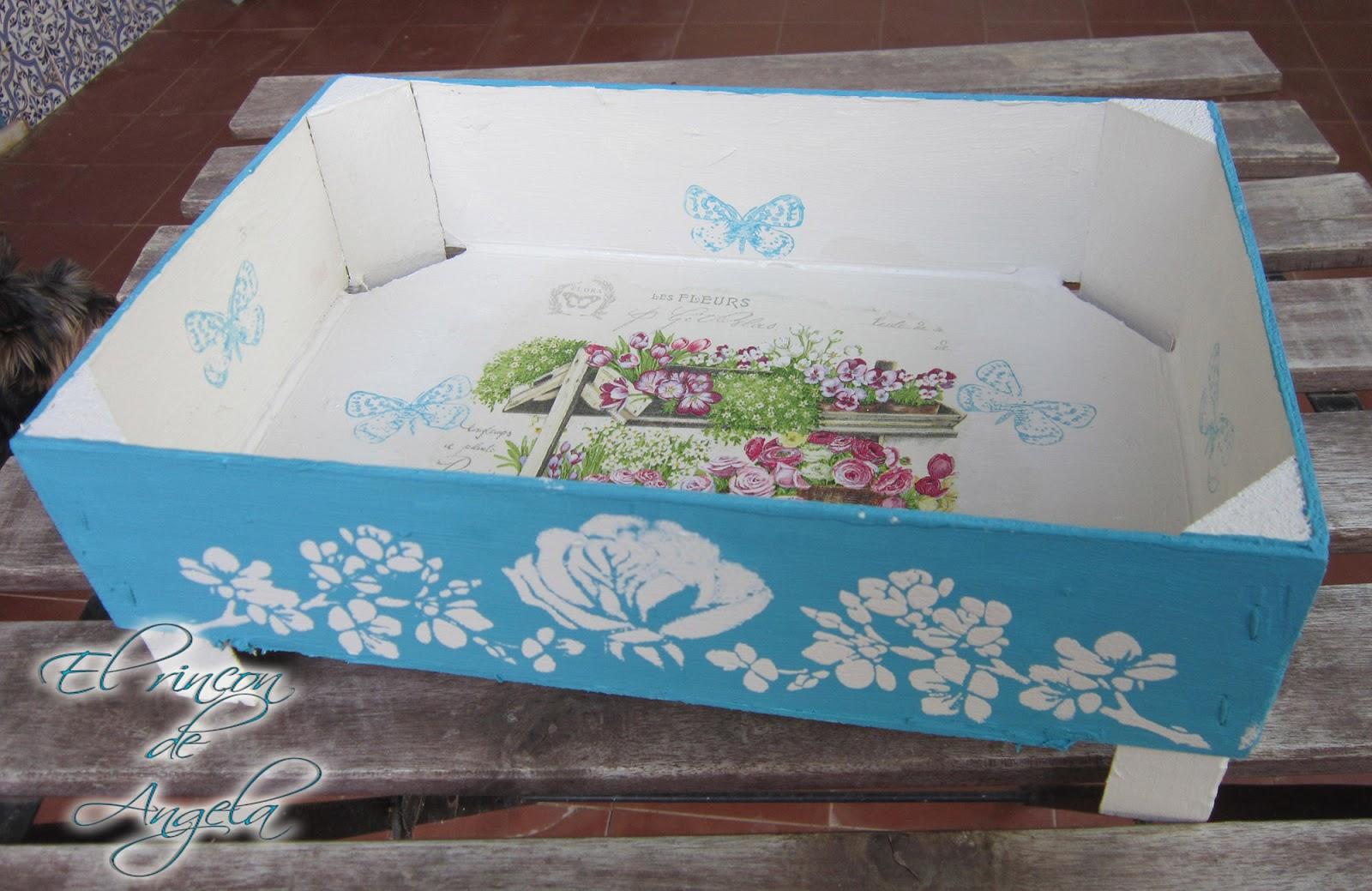 El rincon de angela reciclar una caja de fresas con - Cajas de vino para decorar ...